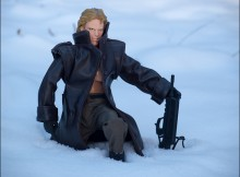 Liquid Snake Doll Kneels With Gun