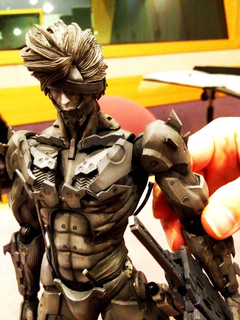 Raiden-Metal-Gear-Rising-Revengeance-Figure-3