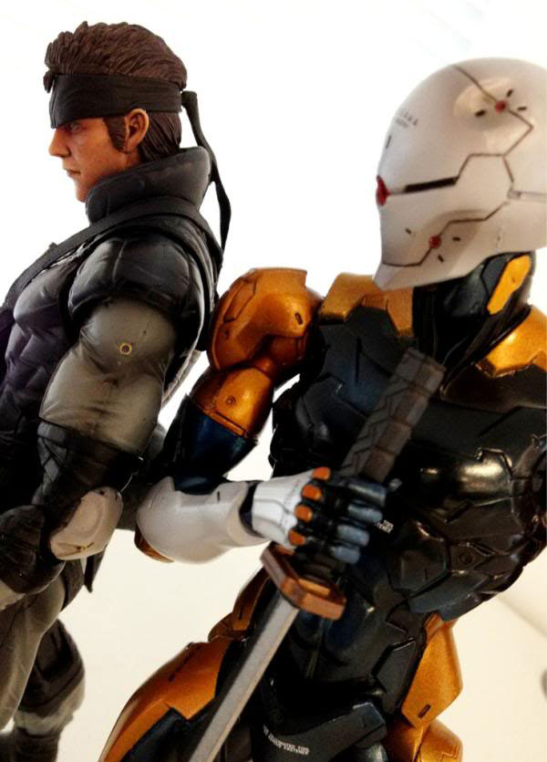 Solid-Snake-and-Gray-Fox-Action-Figure-Metal-Gear-25th-Anniversary-2