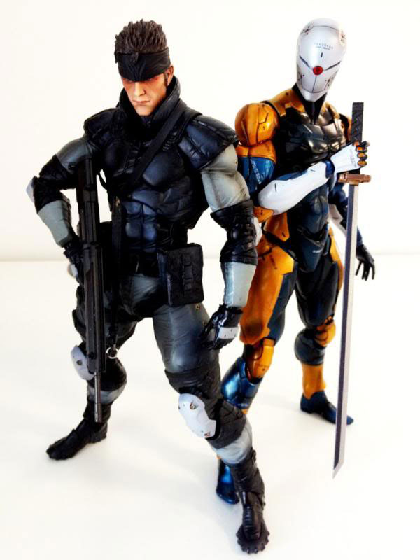 Solid-Snake-and-Gray-Fox-Action-Figure-Metal-Gear-25th-Anniversary-3