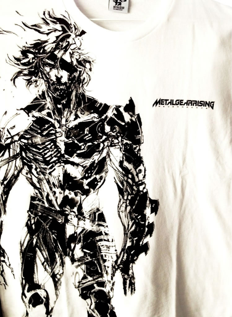 Metal-Gear-Rising-Revengeance-Shirt-Uniqlo-Ginza