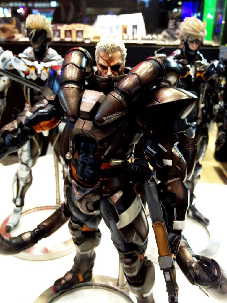 Solidus-Snake-Action-Figure-TGS