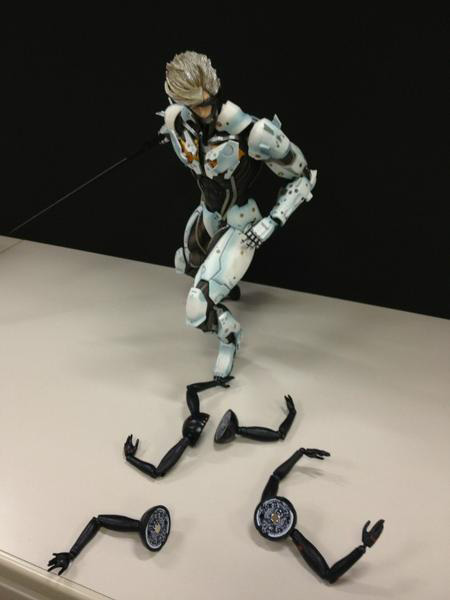 White-Raiden-Kai-Play-Arts-Dwarf-Gekko