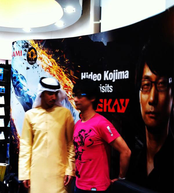 Kojima-signing-at-Geekay-3