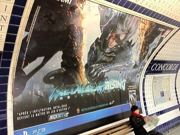 Metal-Gear-Rising-Billboard-Paris
