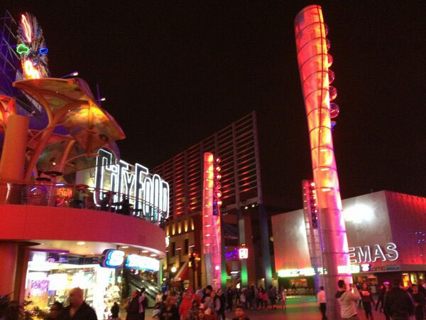 Metal-Gear-Rising-Launch-Event-LA-Universal City Walk