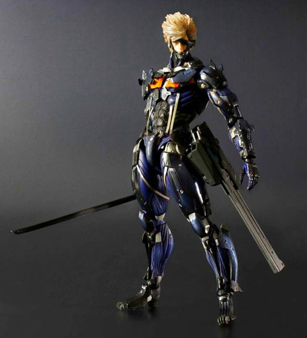 Play-Arts-Blue-Raiden