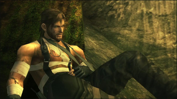 Naked-Snake-Wounded