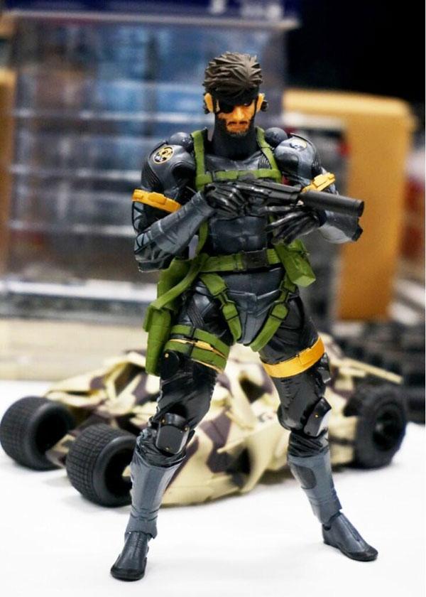 Revoltech-Snake-Figure-2
