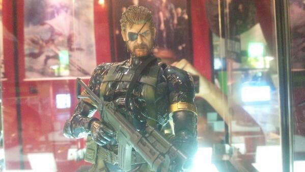TGS-2013-Play-Arts-Big-Boss-Front