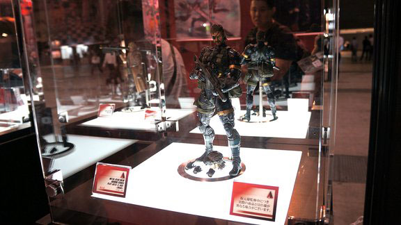 TGS-2013-Play-Arts-Big-Boss