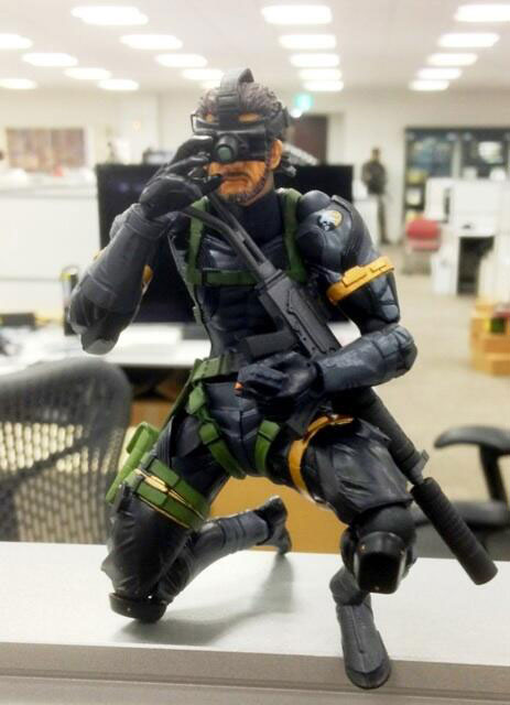 Ground-Zeroes-Snake-Action-Figure-Pose