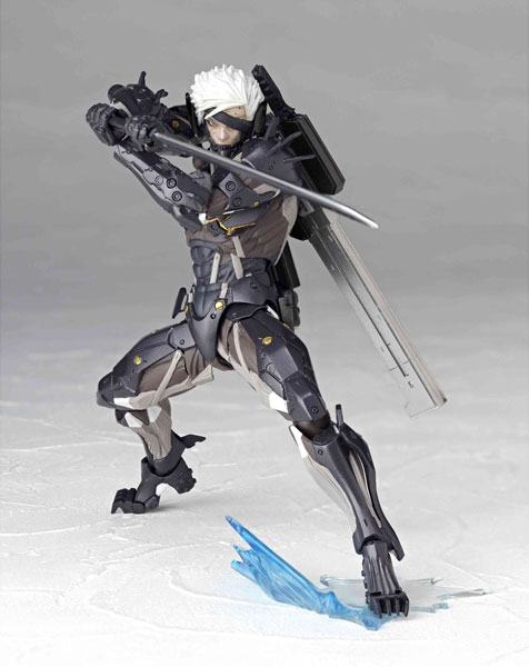 Revoltech-Raiden-Metal-Gear-Rising