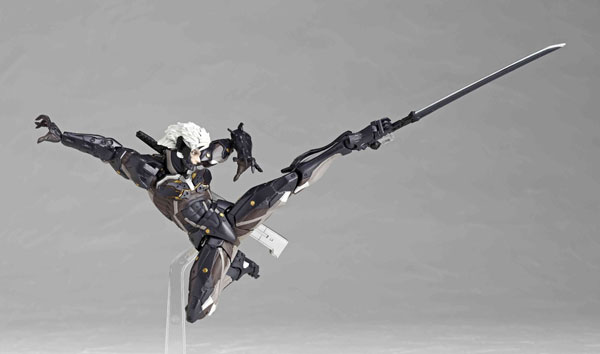 Revoltech-Raiden-sword-move