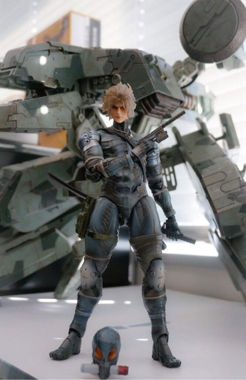 Metal-Gear-Solid-2-Raiden-Play-Arts-Kai