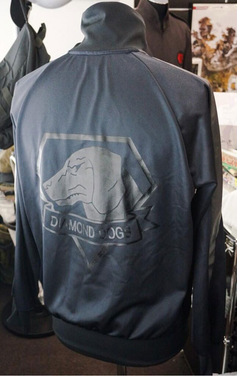 MGSV-Diamond-Dogs-Jacket-Photo-Back