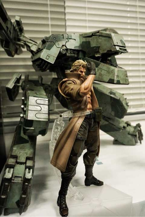 Play-Arts-Liquid-Snake-3