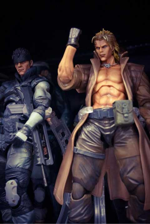 Play-Arts-Solid-and-Liquid-Snake-Figure