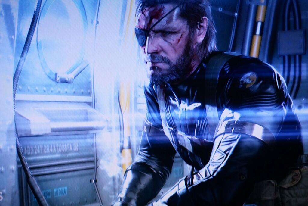 MGS-Ground-Zeroes-Title-Screen-Wounded Big Boss