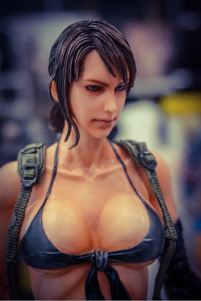 Play-Arts-Ground-Zeroes-Quiet-Figure
