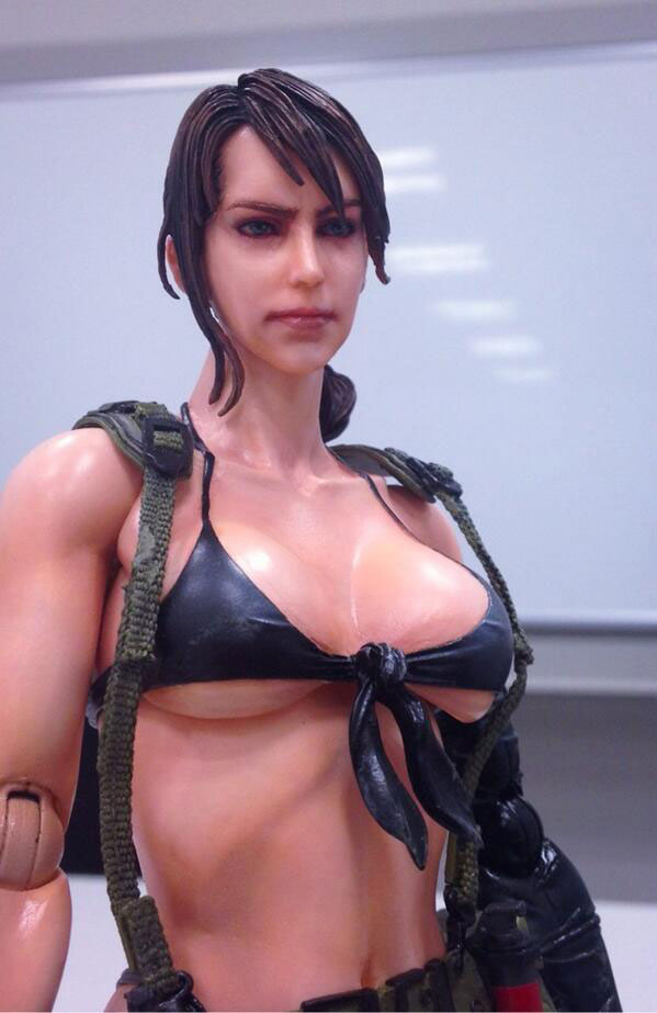 MGSV-Quiet-Figure-Play-Arts-Close