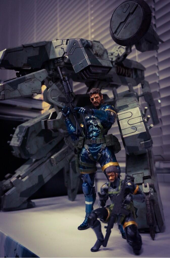 Play-Arts-MGS-Ground-Zeroes-and-Revoltech
