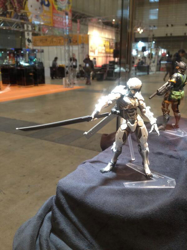 White-Raiden-Figure-Wonder-Fest