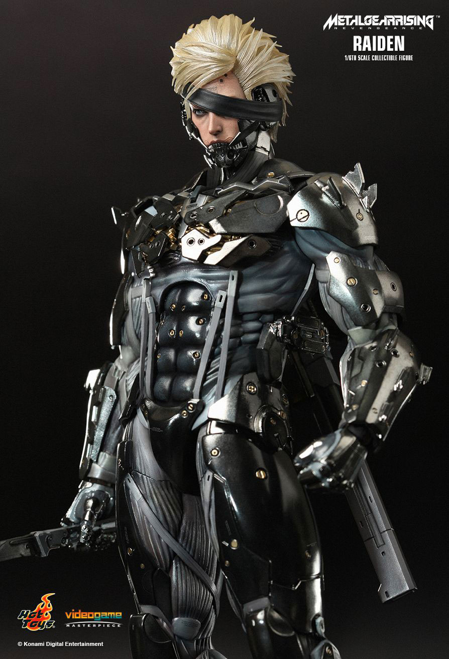 Hot-Toys-Raiden-Figure-3