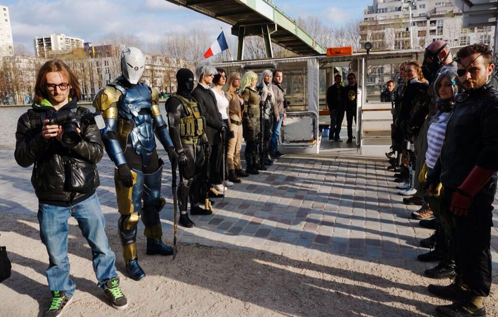 Kojima-in-Paris-Cosplayers