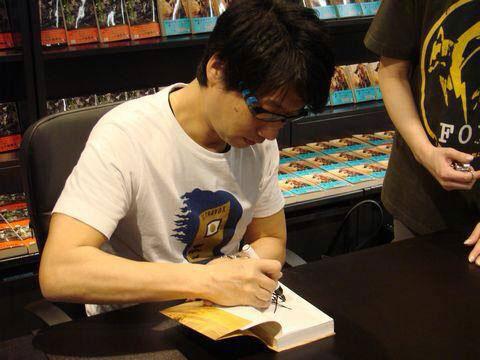 Tsutaya-Signing-Session-Kojima-11