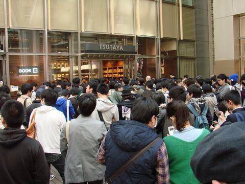 Tsutaya-Signing-Session-Kojima-13