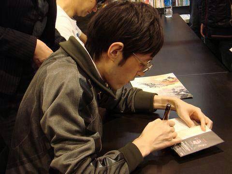 Tsutaya-Signing-Session-Kojima-17