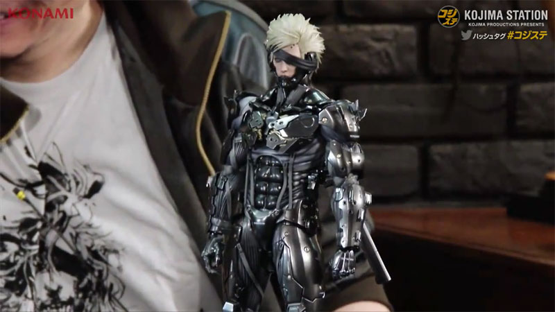 Kojima-Station-7-JP-Black-Raiden-Hot-Toys