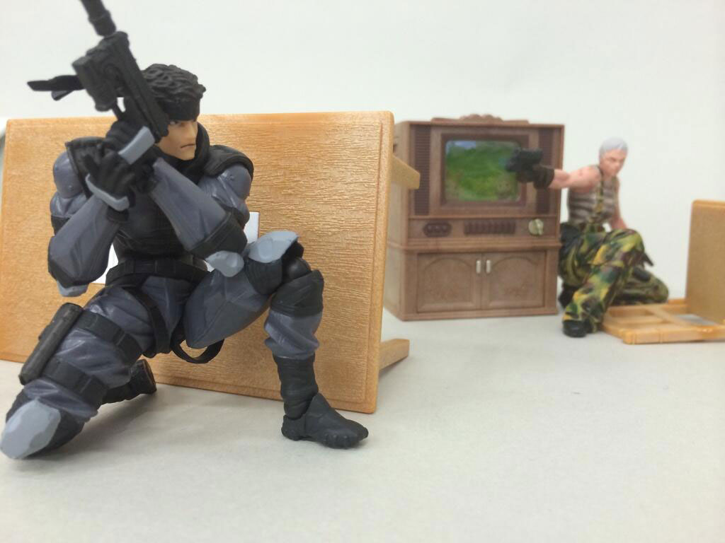 RevolMini-Solid-Snake-and-Olga