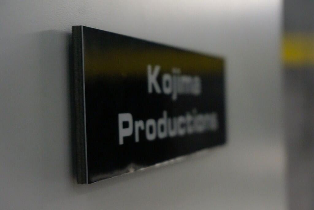 Kojima-E3-2014-Konami-Booth-2