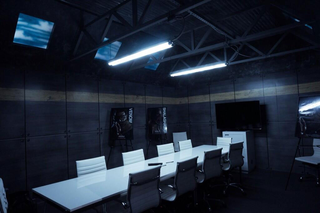 Kojima-E3-2014-Konami-Booth-Interview-Room