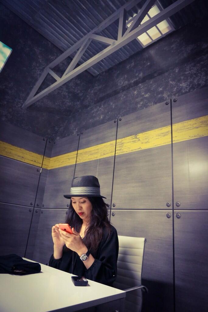 Kojima-E3-2014-Meeting-Room-Ayako