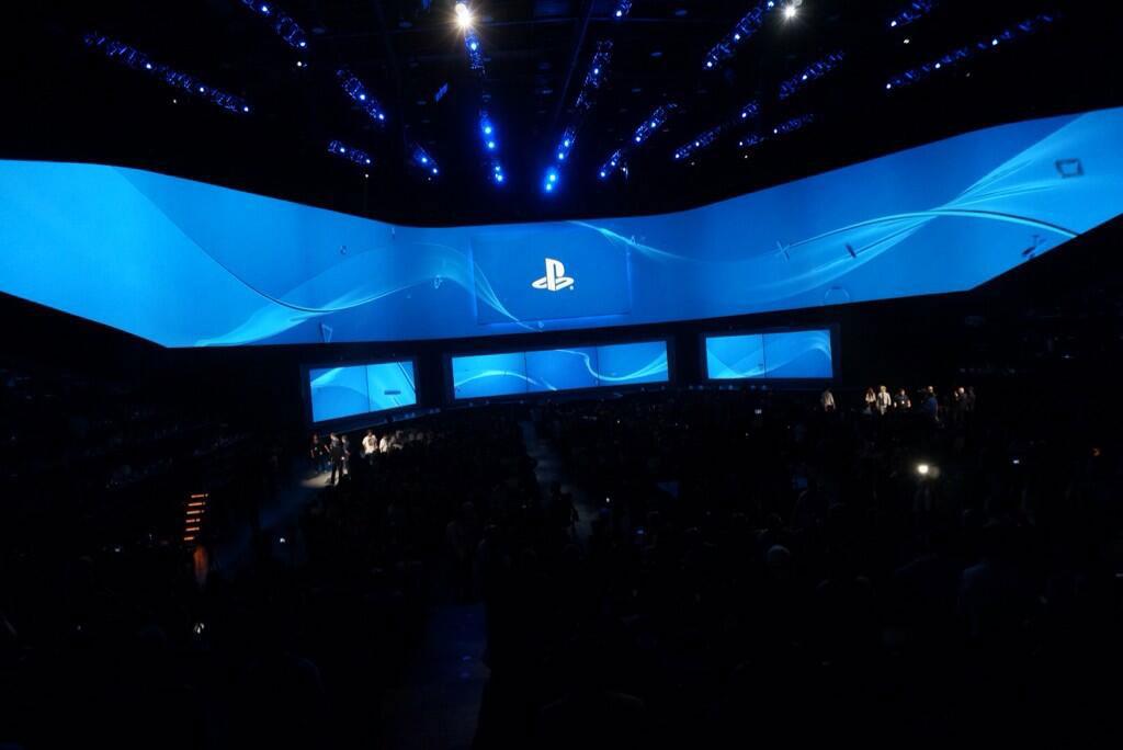 Kojima-E3-2014-Sony-Conference-2