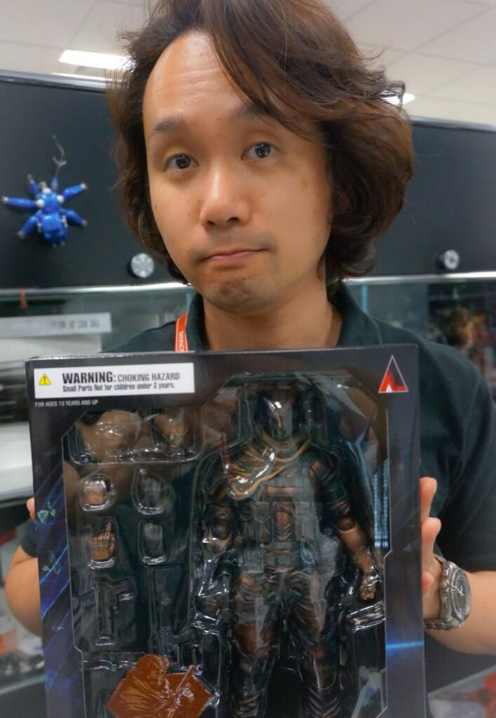 Venom-Snake-Play-Arts-Kai-Figure-in-Box