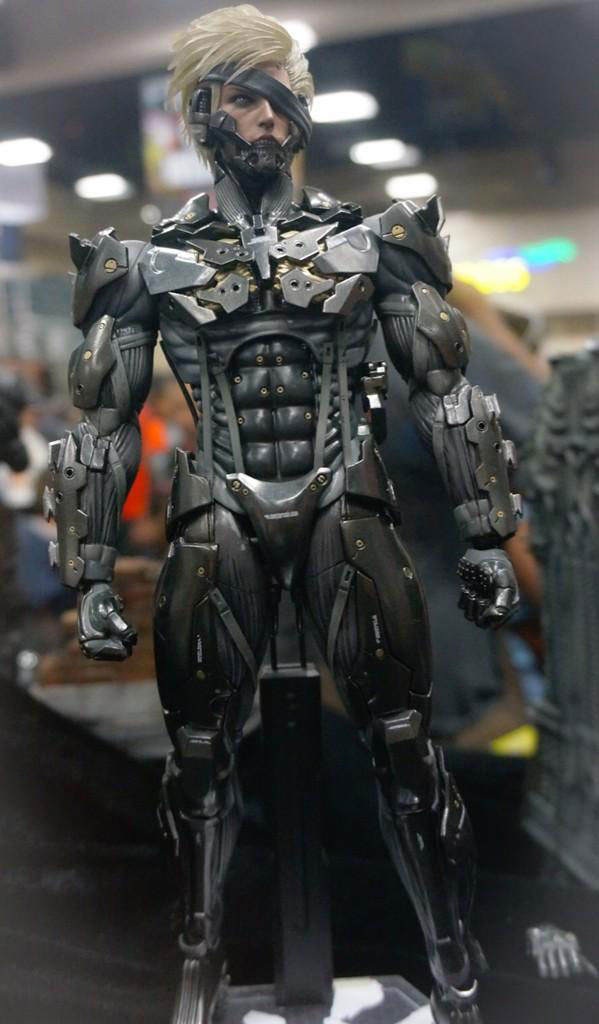 Comic-Con-2014-Raiden-Hot-Toys