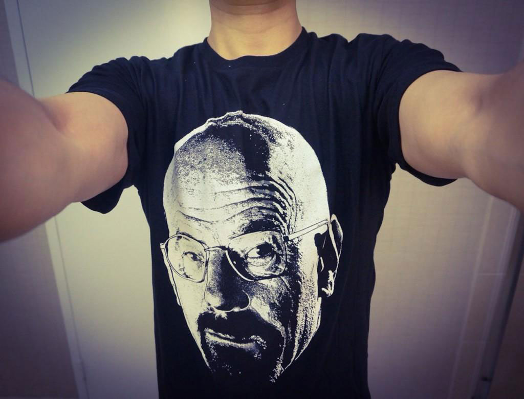 Kojima-Comic-Con-2014-Breaking-Bad-Shirt
