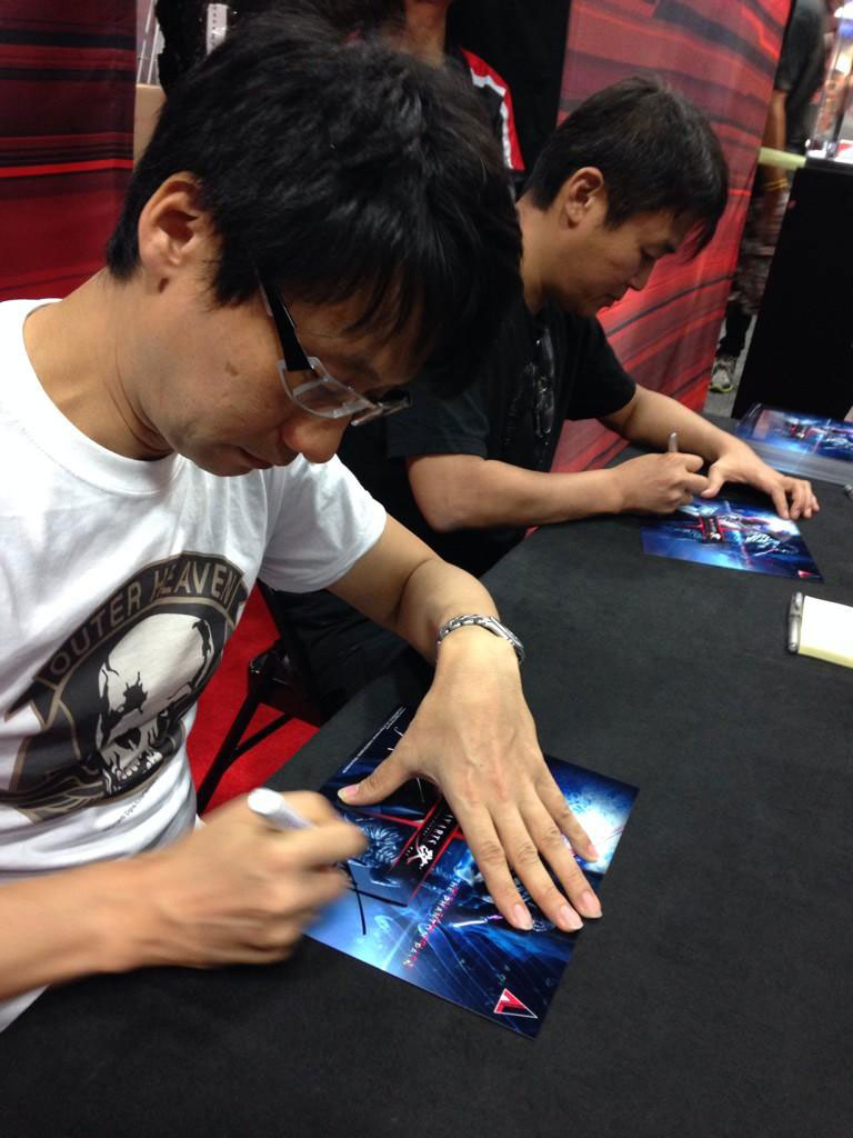 Kojima-Comic-Con-2014-Siging-Day-2