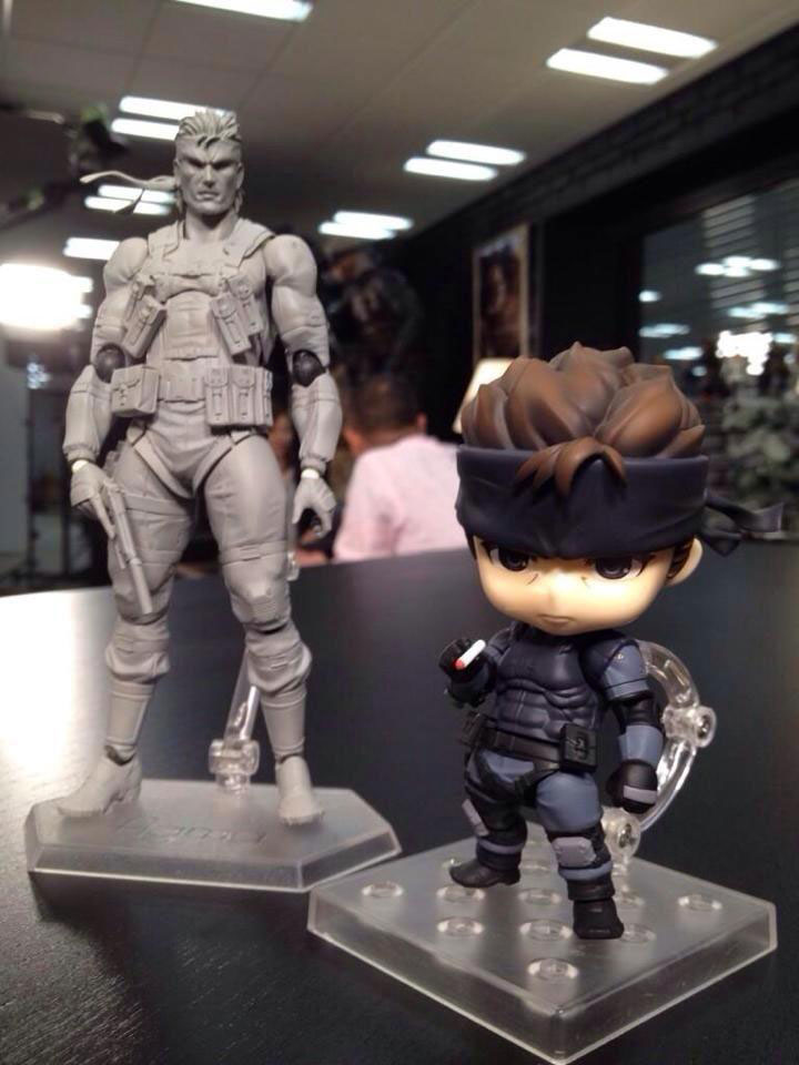 Max-Factory-MGS2-Solid-Snake-and-Nendoroid-Solid-Snake