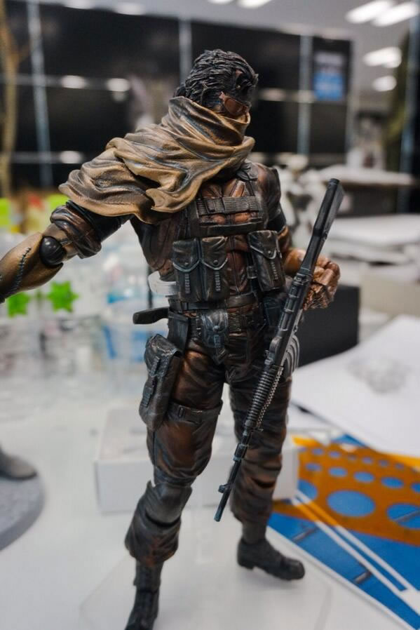 Play-Arts-Venom-Snake-Comic-con-2