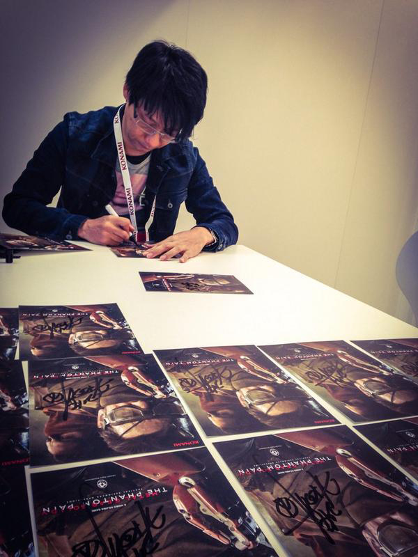 Kojima-Signing-Gamescom