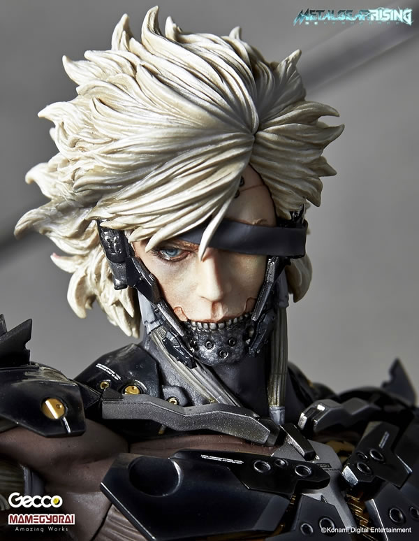 Metal-Gear-Rising-Raiden-Gecco-Statue-10