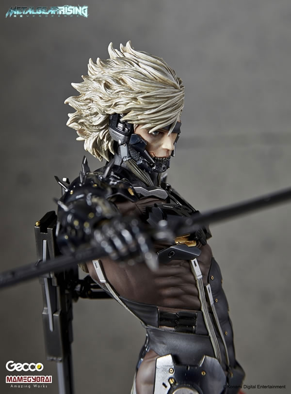 Metal-Gear-Rising-Raiden-Gecco-Statue-11