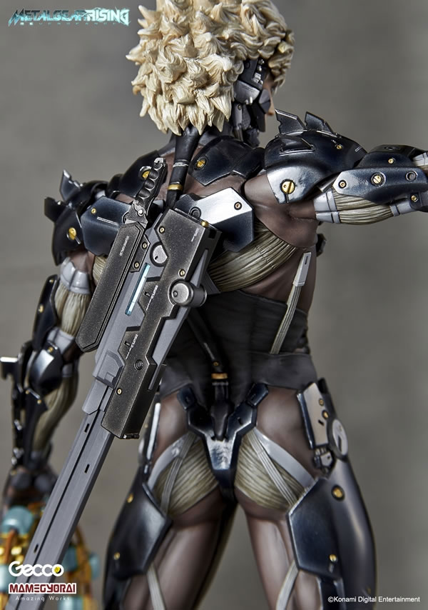 Metal-Gear-Rising-Raiden-Gecco-Statue-15