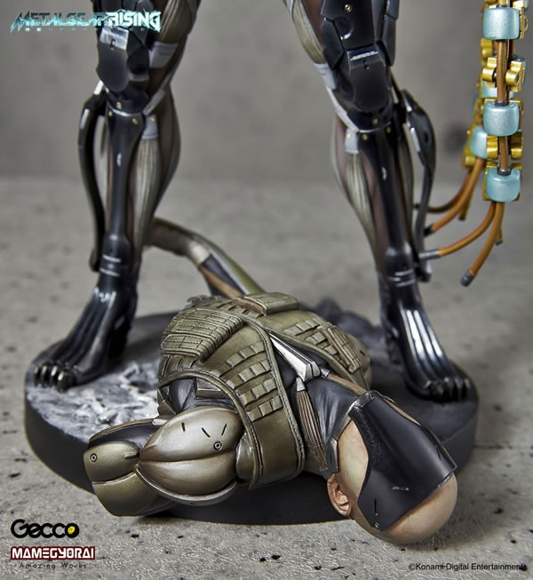 Metal-Gear-Rising-Raiden-Gecco-Statue-19
