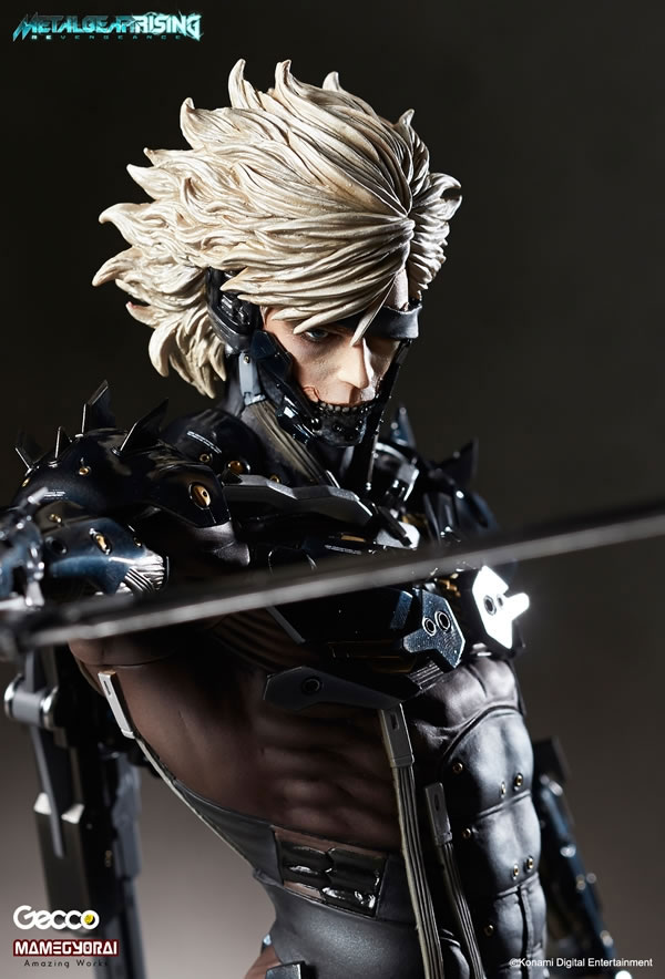 Metal-Gear-Rising-Raiden-Gecco-Statue-2